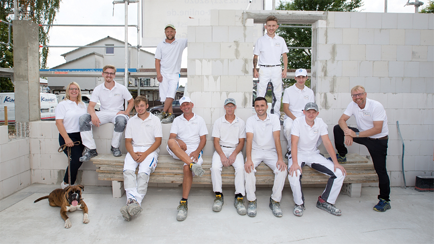 Teamfoto an unserem künftigen Firmensitz